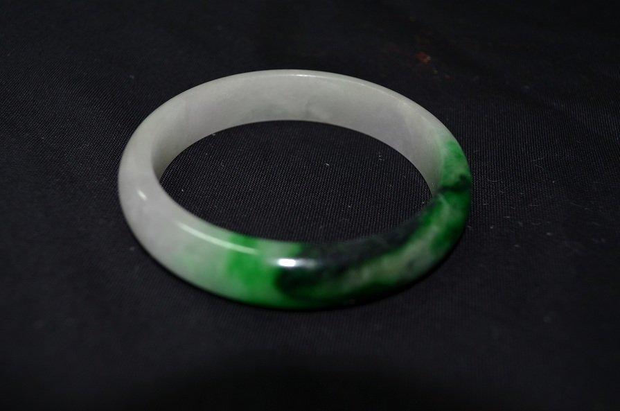 1012A: A very fine Chinese Jade bracelet