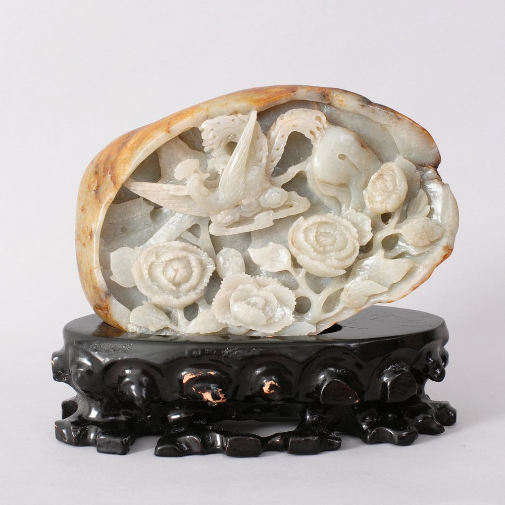 A FINE CHINESE CARVED HETIAN  Zi JADE BOULDEr