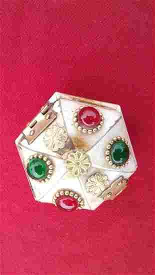 Hexagon shaped box