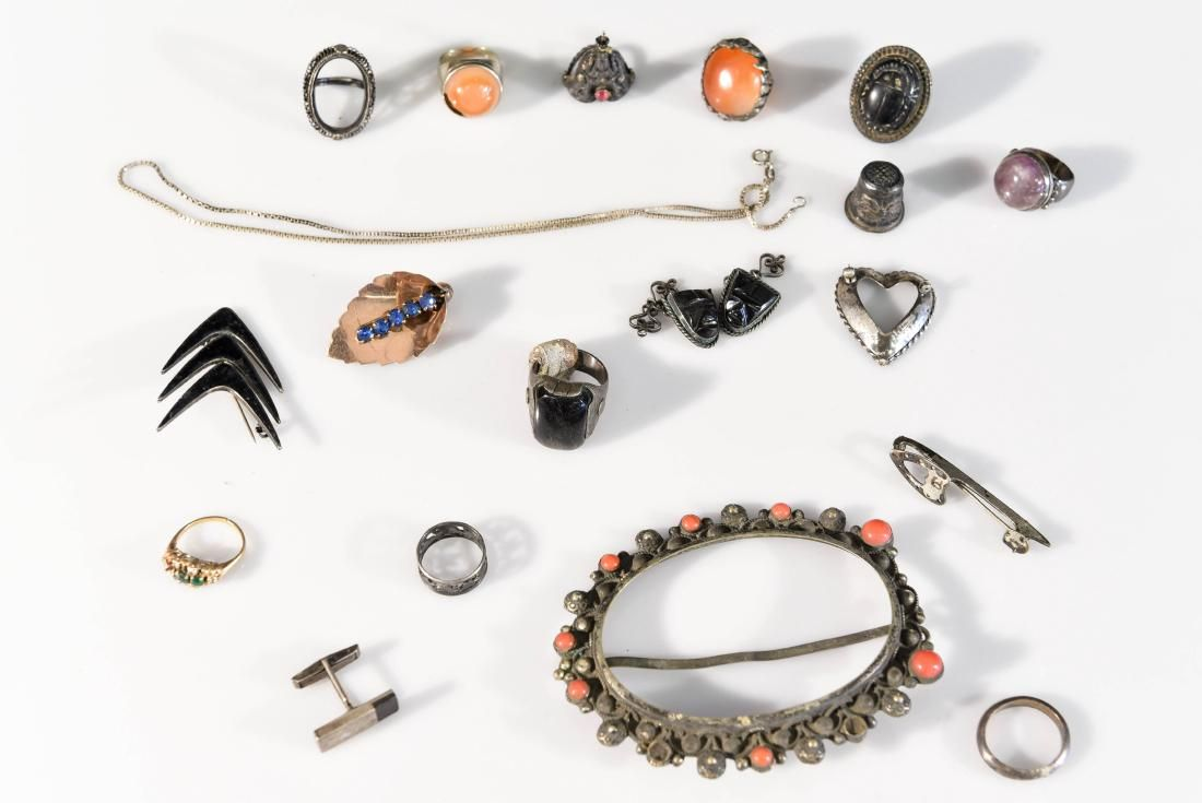 JEWELRY GROUPING INCL GOLD & STERLING SILVER
