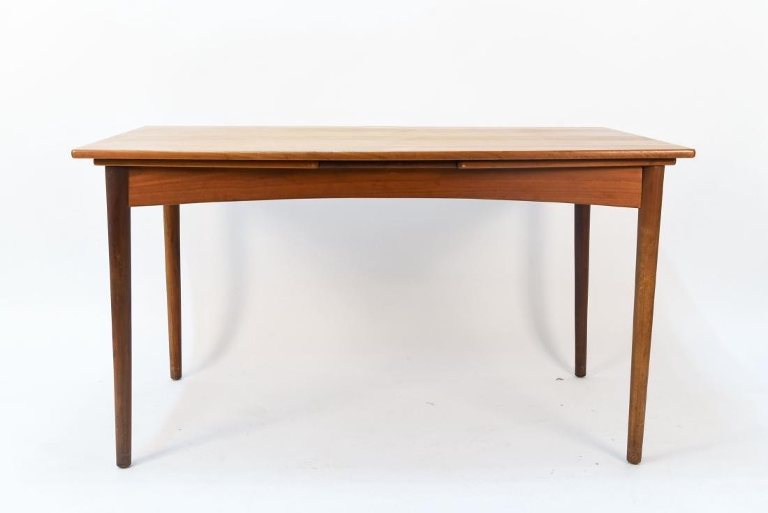 DANISH TABLE