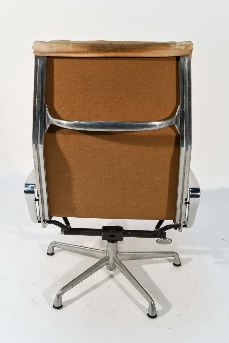 HERMAN MILLER SOFT PAD CHAIR - 7