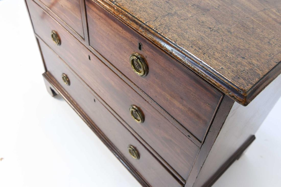 FOUR DRAWER CHEST - 4