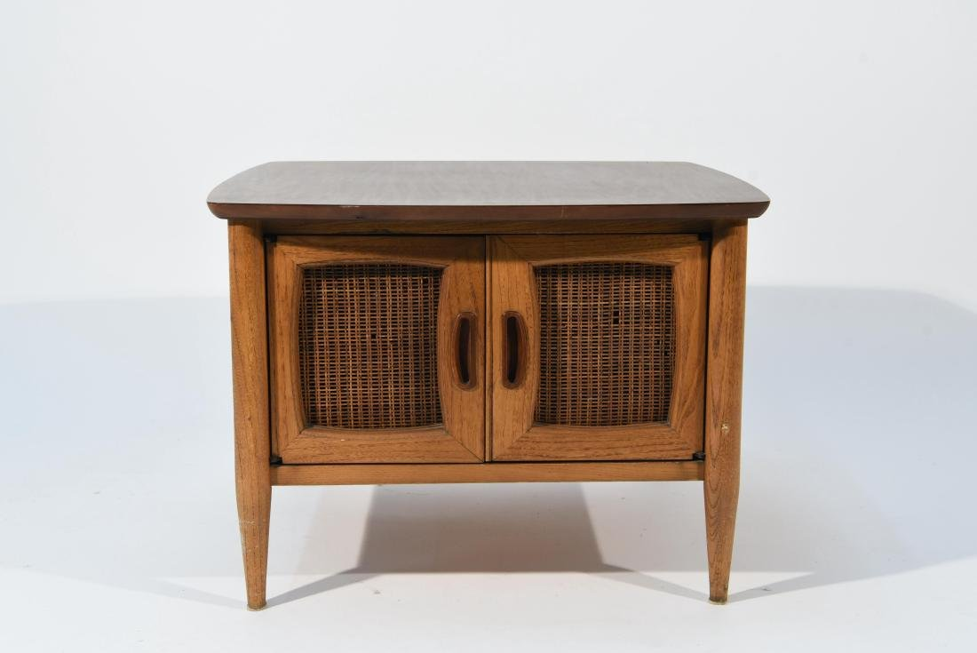 CABINET IN THE MANNER OF LANE