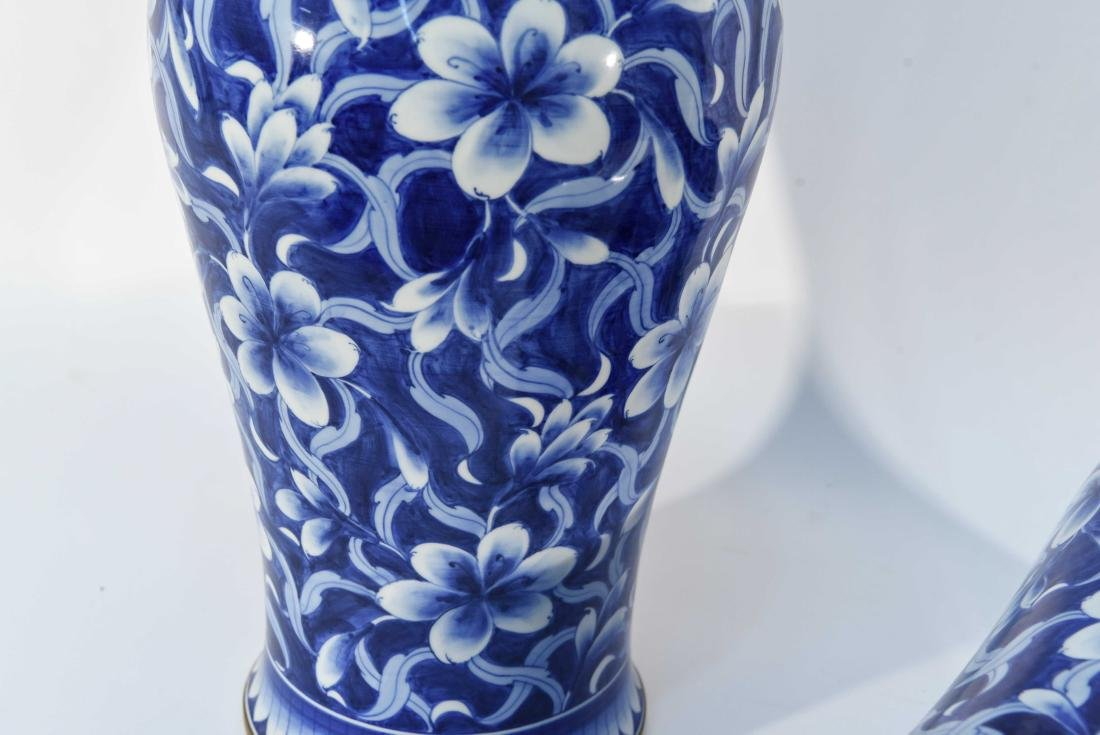 PAIR OF CHINESE BLUE & WHITE PORCELAIN COVER URNS - 9