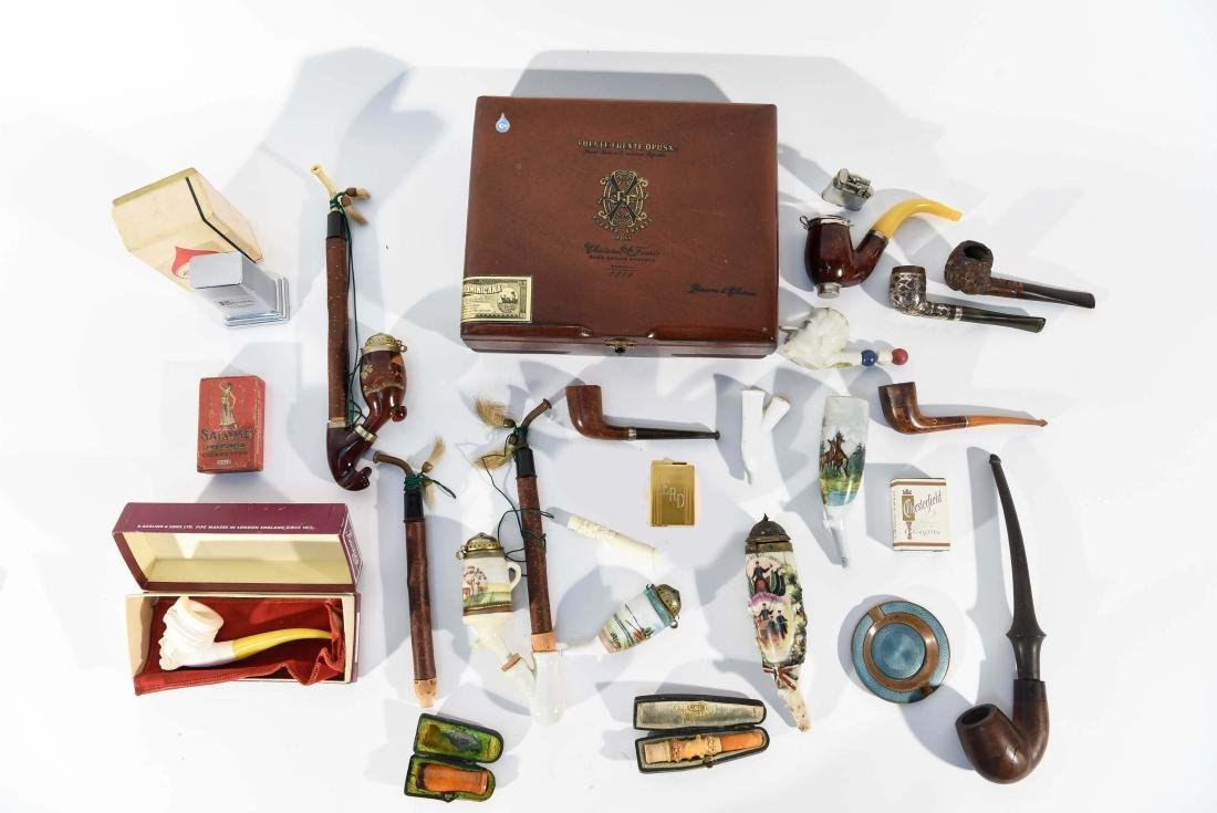 VINTAGE ASSORTED PIPE GROUPING
