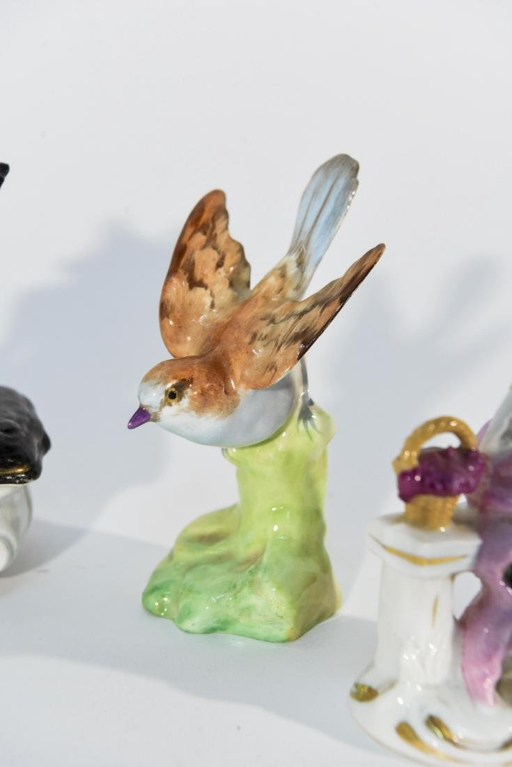 GROUPING OF MINIATURE PORCELAIN FIGURINES - 6