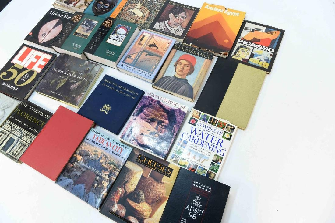 GROUPING OF CONTEMPORARY ART BOOKS - 8