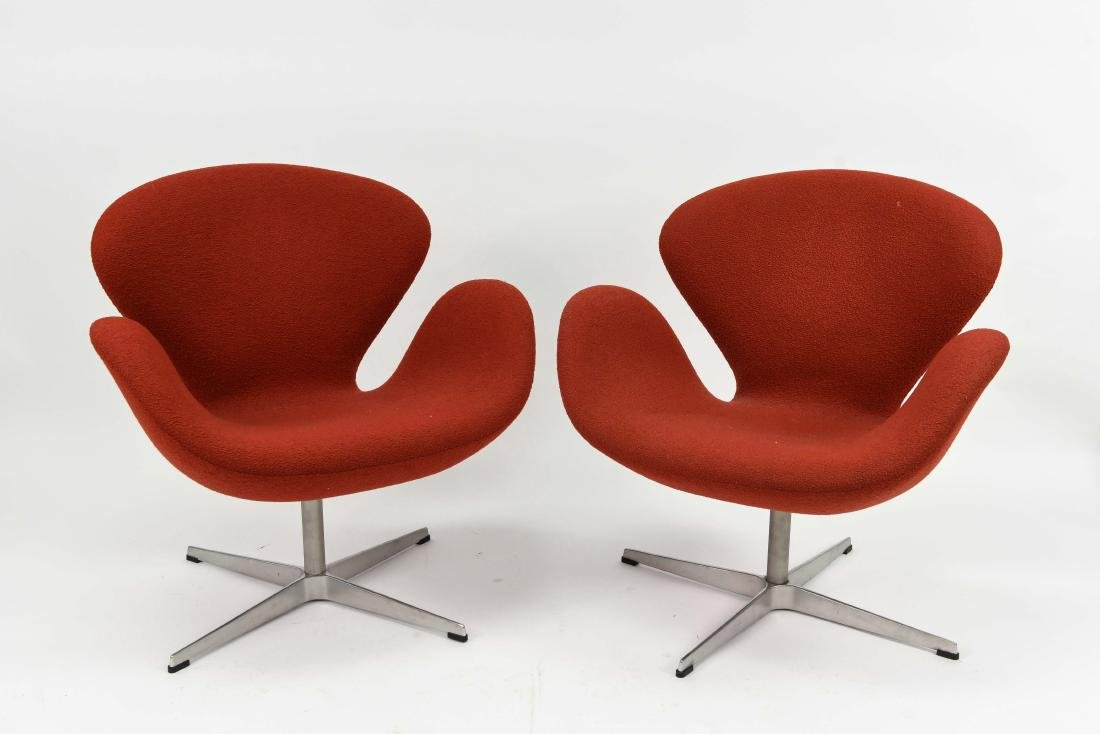 PAIR OF FRITZ HANSEN KNOLL RED SWAN CHAIRS