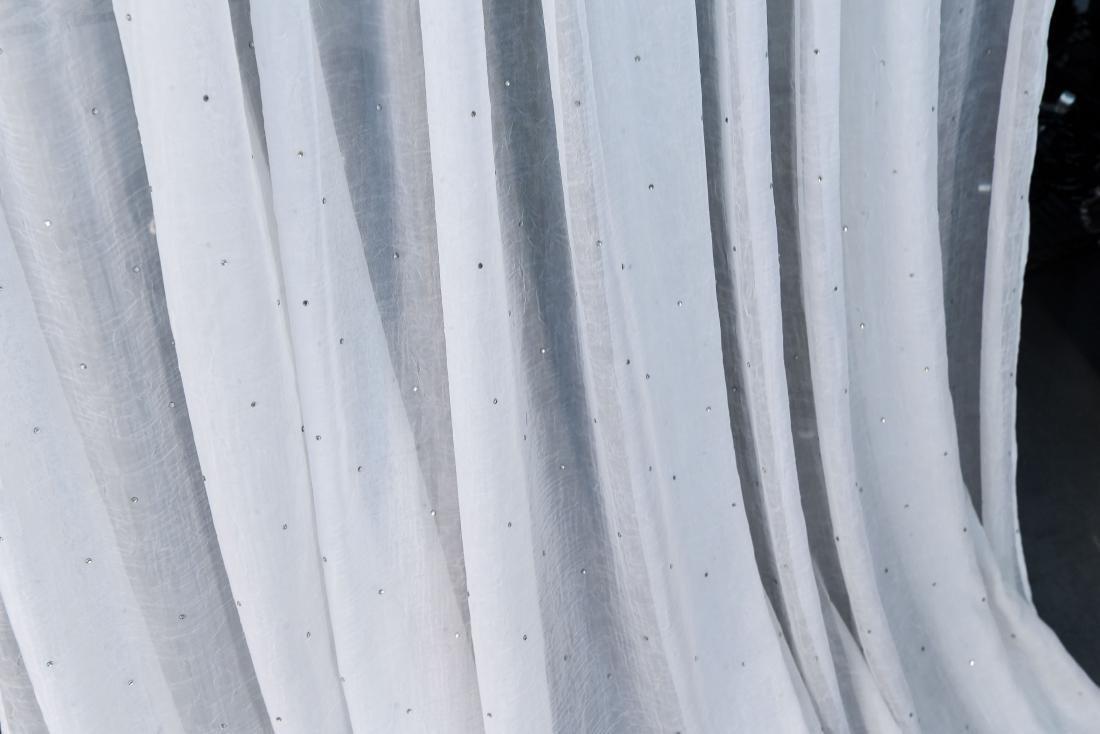 (8) CARLO RAMPAZZI WHITE SPARKLE CURTAINS - 4