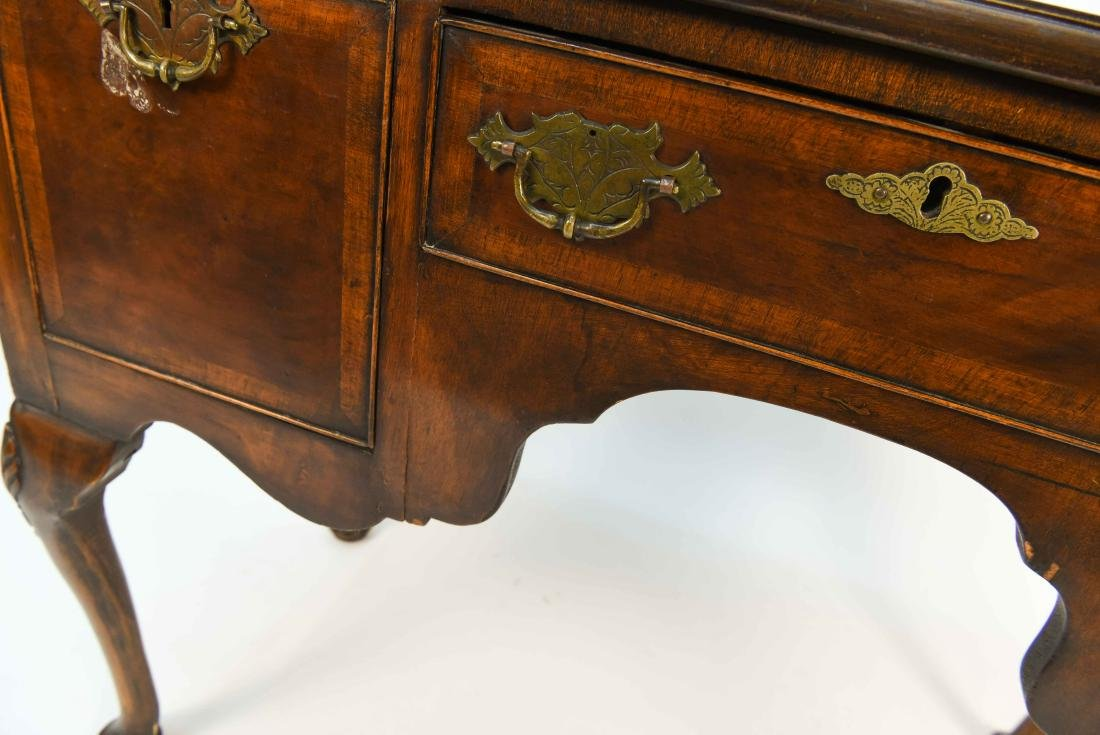 18TH C. DRESSING TABLE - 4