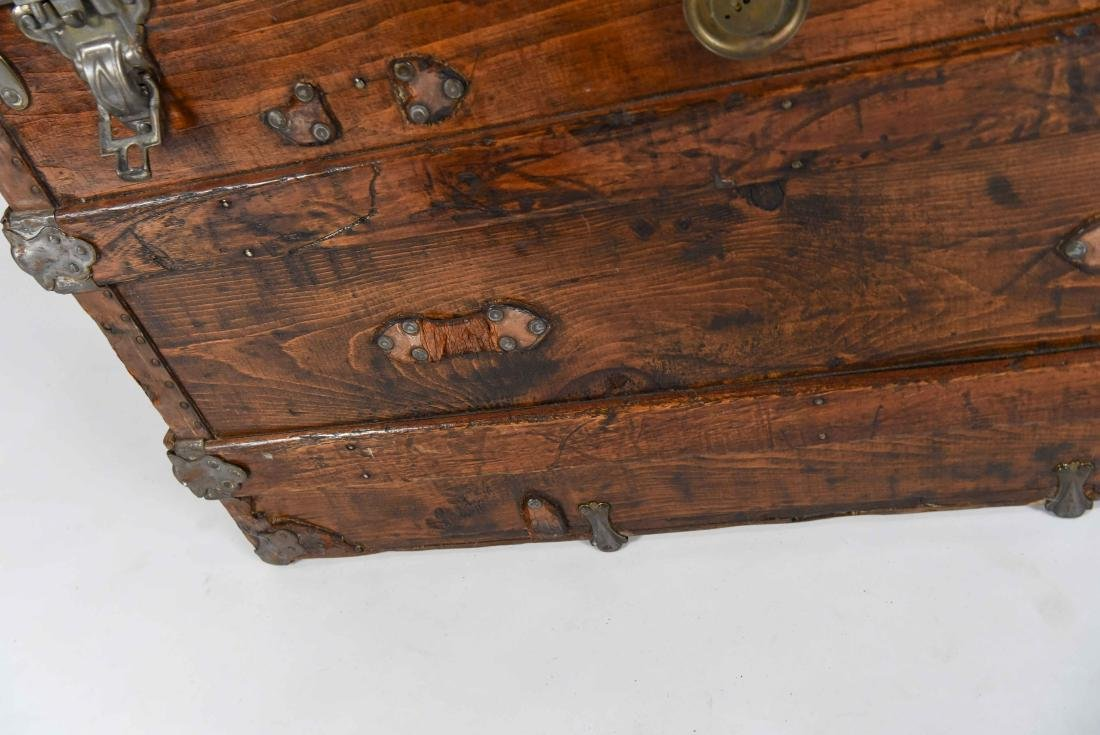 LARGE CHEST TRUNK - 9