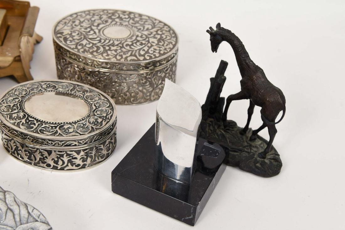 GROUPING OF METALWARE INCL. BRASS - 5