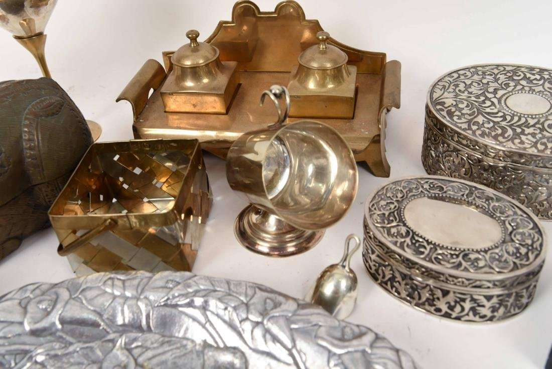 GROUPING OF METALWARE INCL. BRASS - 6