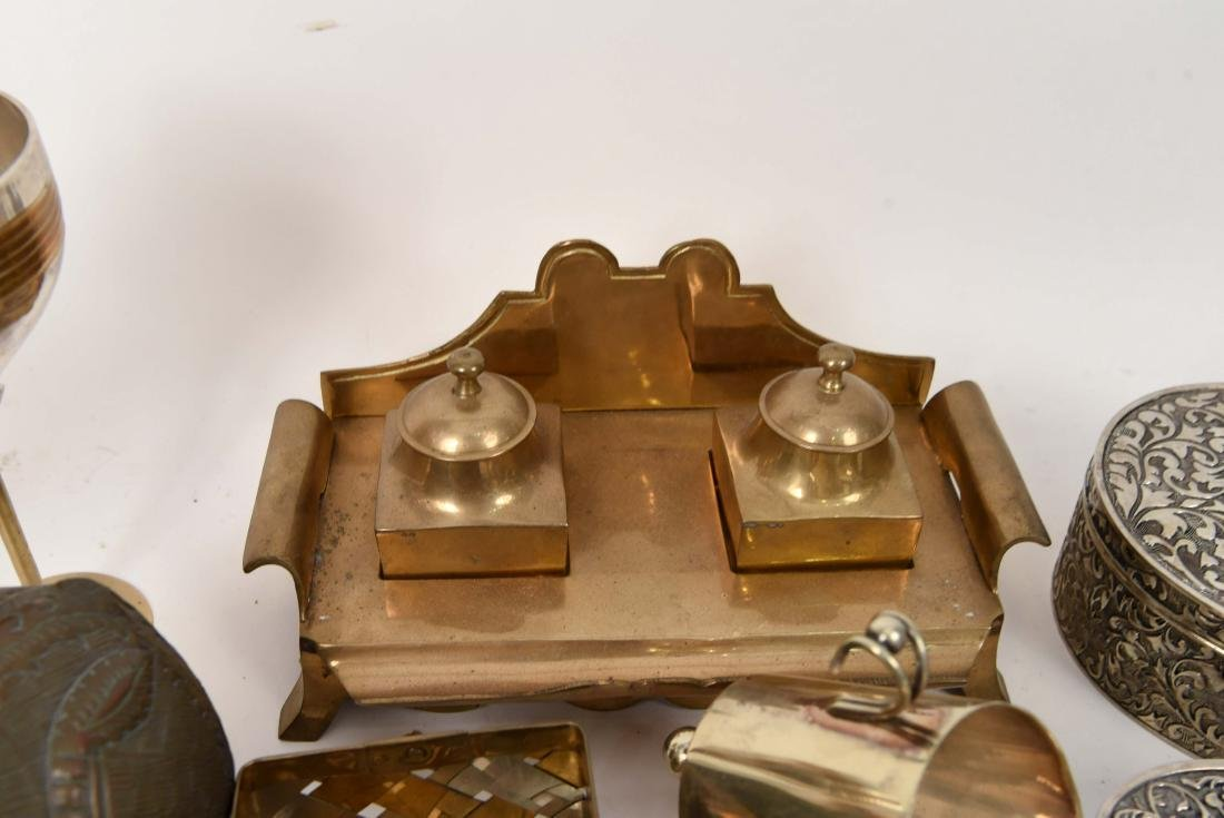 GROUPING OF METALWARE INCL. BRASS - 7