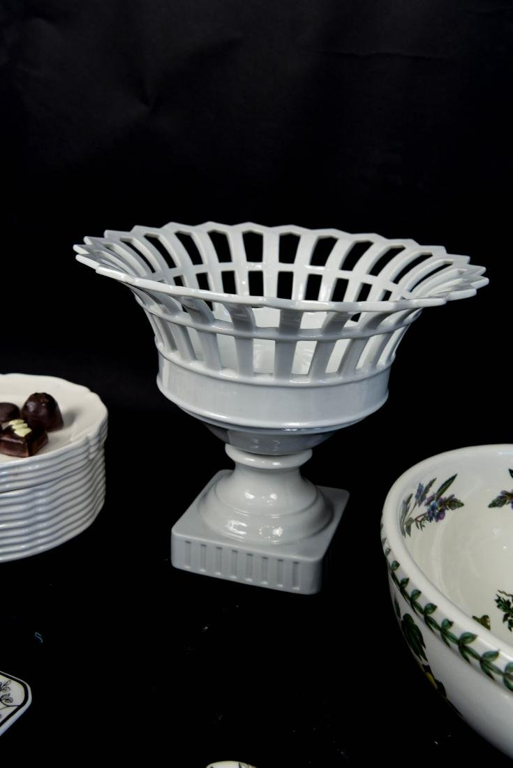 GROUPING OF CERAMICS, ETC. INCL. ITALY - 9