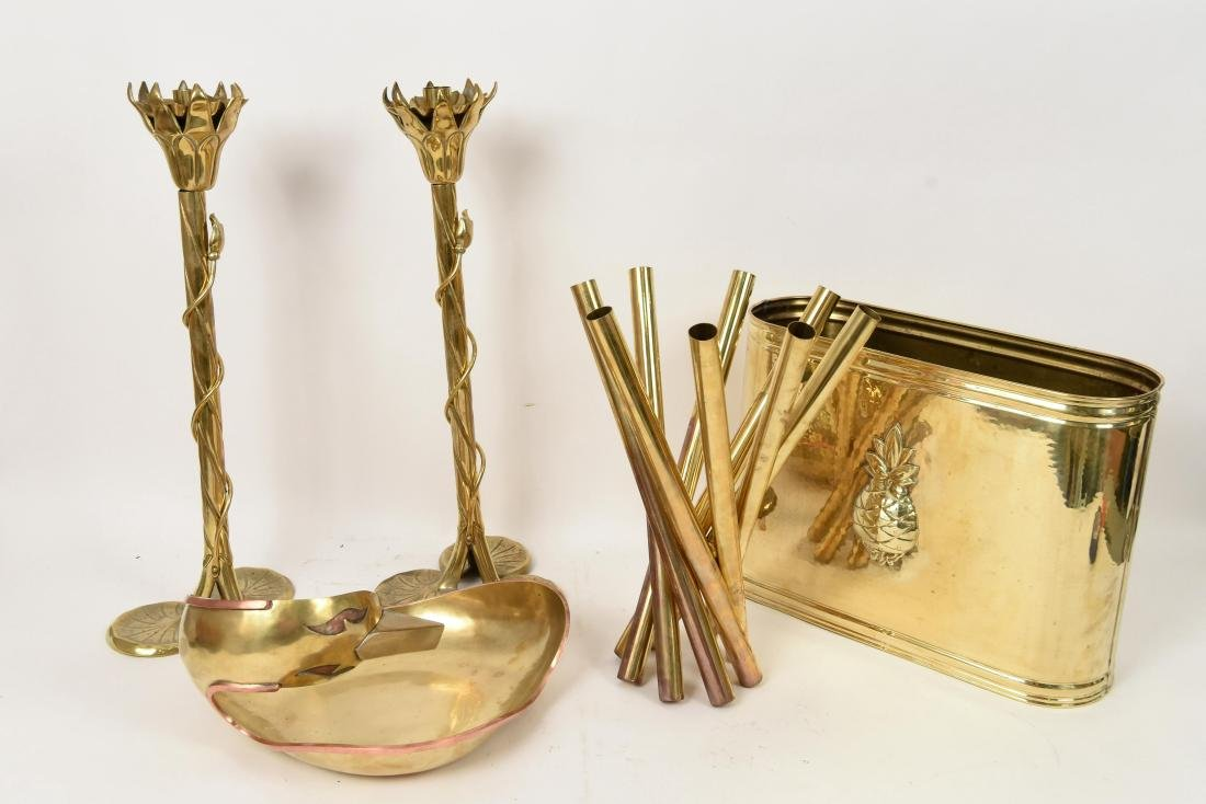 GROUPING OF DECORATIVE BRASS OBJECTS