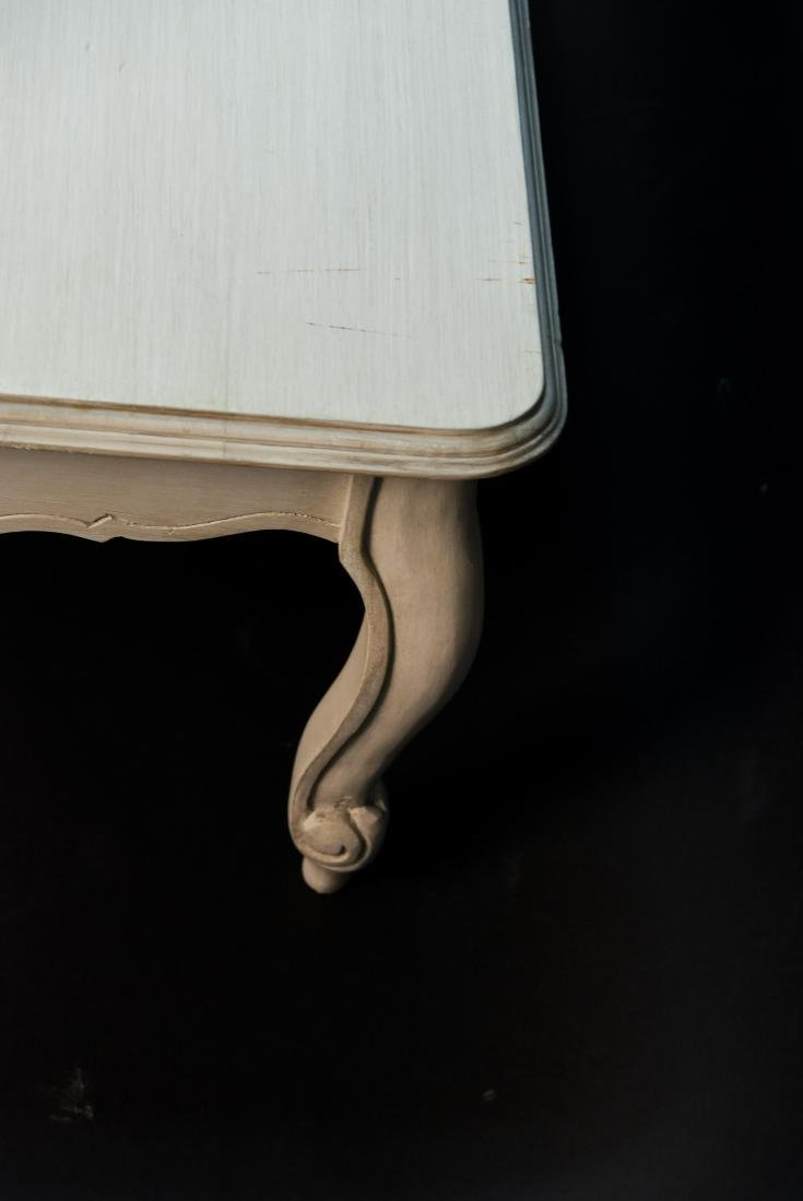 WHITE PAINTED FRENCH STYLE WOODEN COFFEE TABLE - 6
