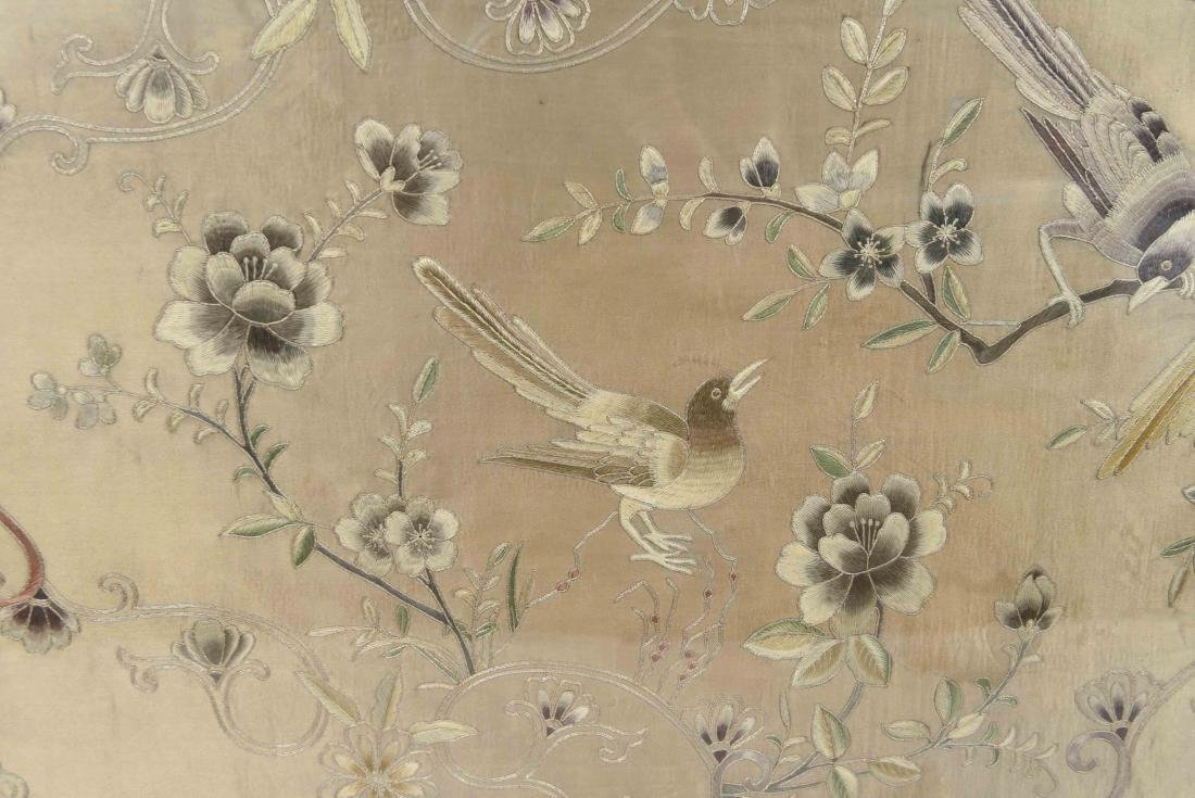 EARLY 20TH C. CHINESE SILK EMBROIDERY - 4