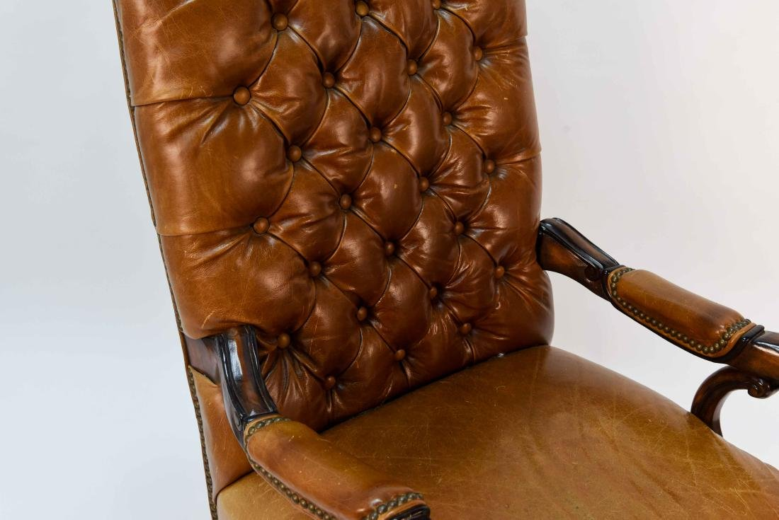 TUFTED FAUX LEATHER EXECUTIVE CHAIR - 3