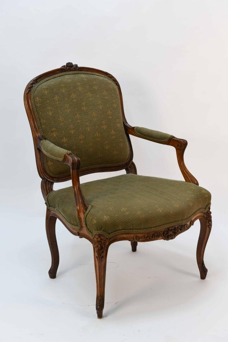 SINGLE FRENCH ARM CHAIR