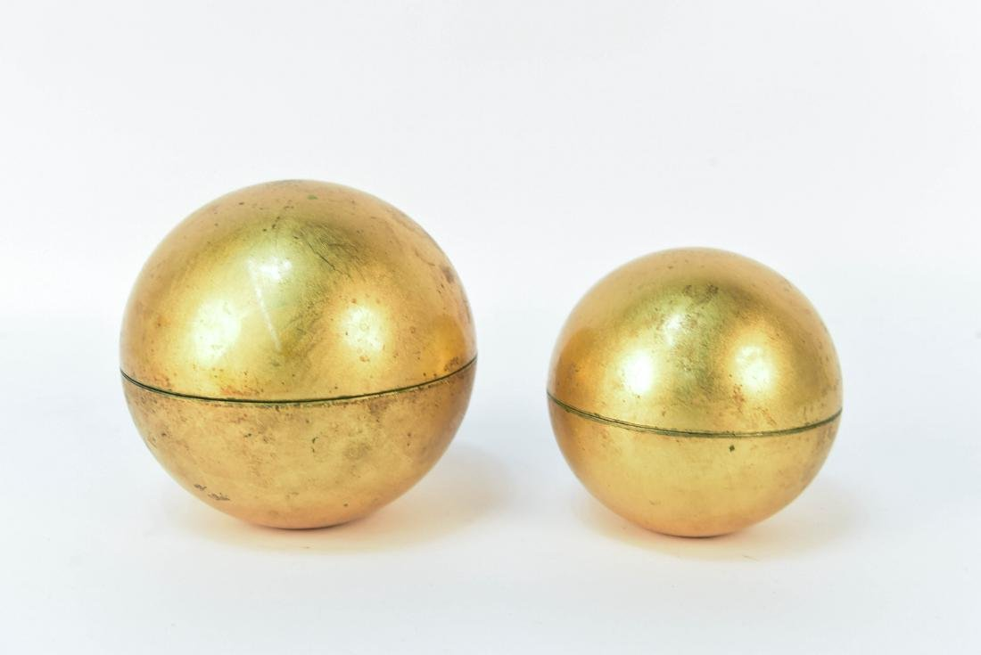 LACQUERED NESTING GLOBE BOWLS