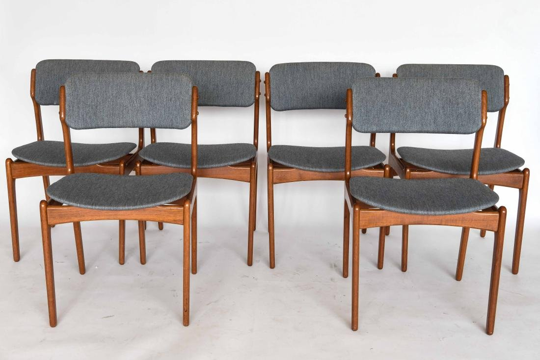 (6) ODDENSE MASKINSNEDKERI A-S DINING CHAIRS