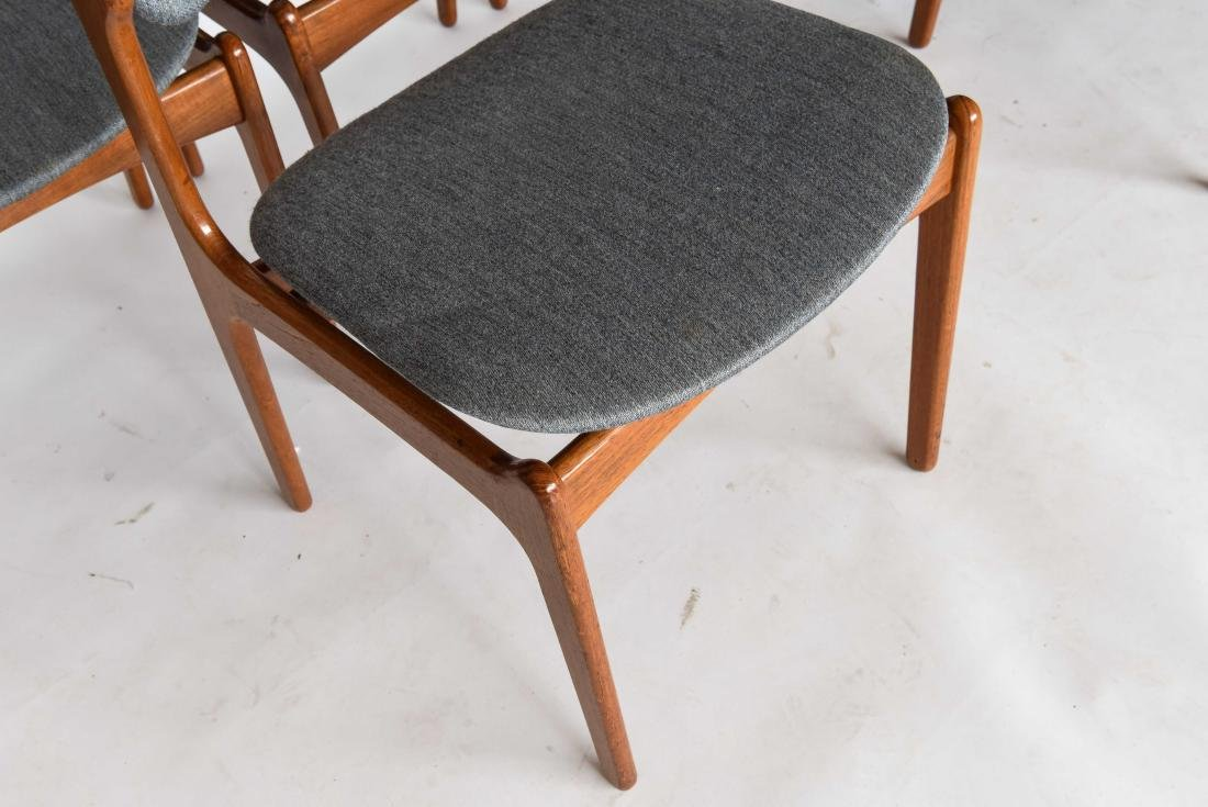 (6) ODDENSE MASKINSNEDKERI A-S DINING CHAIRS - 6