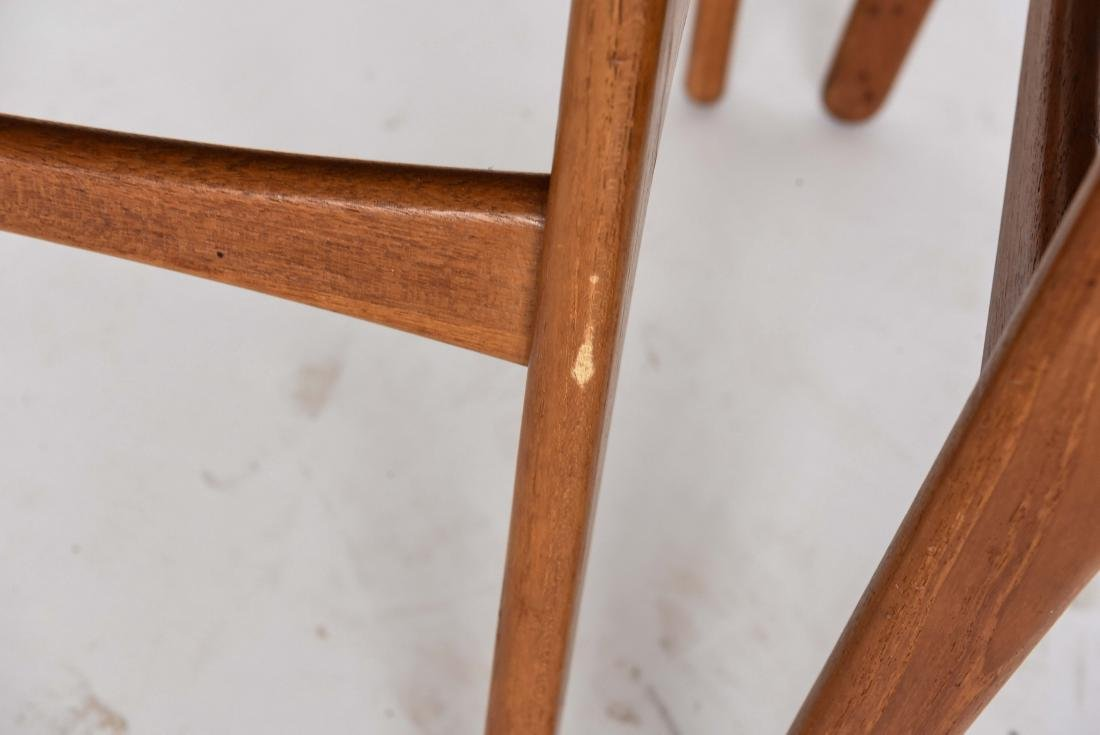 (6) ODDENSE MASKINSNEDKERI A-S DINING CHAIRS - 8