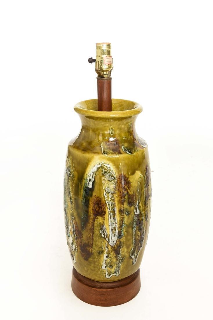 MID CENTURY DRIP GLAZE TABLE LAMP
