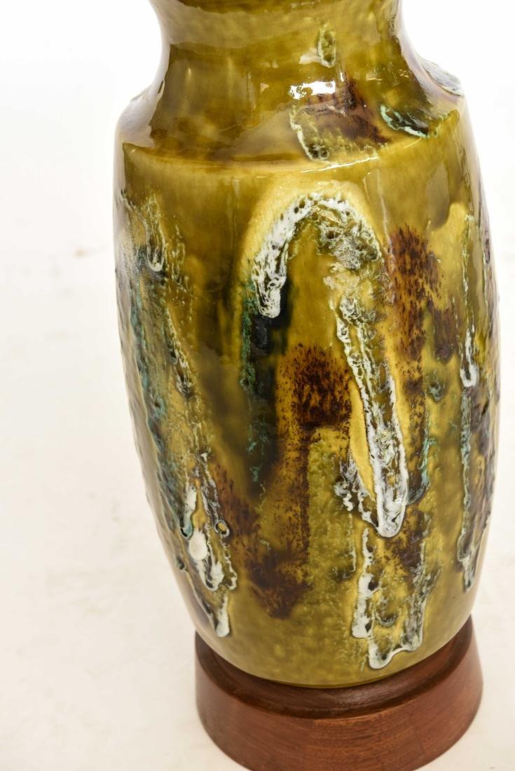 MID CENTURY DRIP GLAZE TABLE LAMP - 6