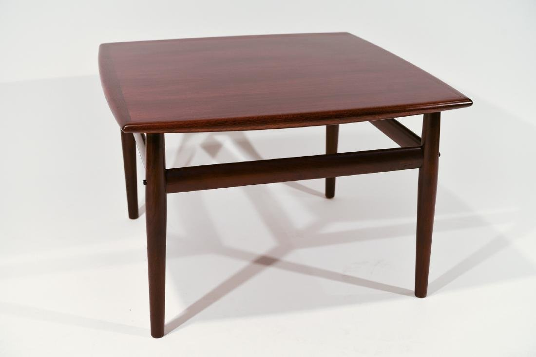 ROSEWOOD GRETE JALK GLOSTRUP DANISH COFFEE TABLE