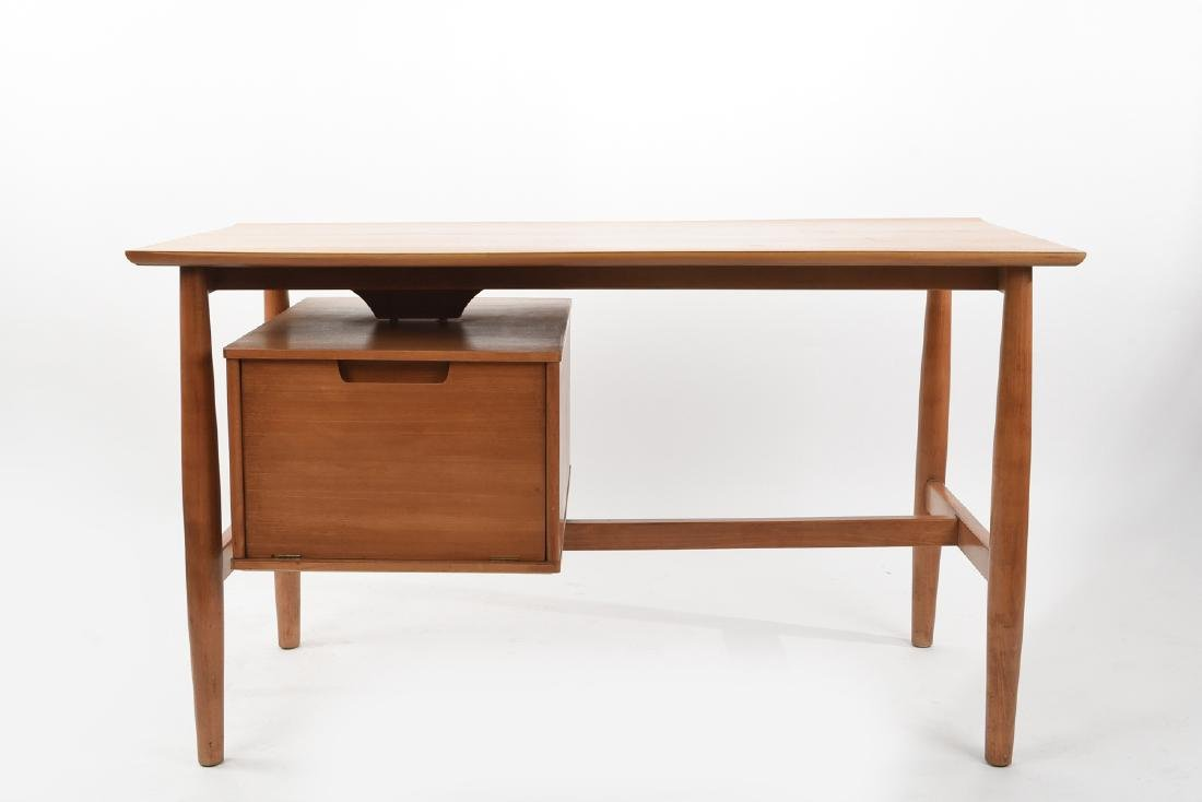 MILO BAUGHMAN FOR DREXEL BLOND WOOD DESK