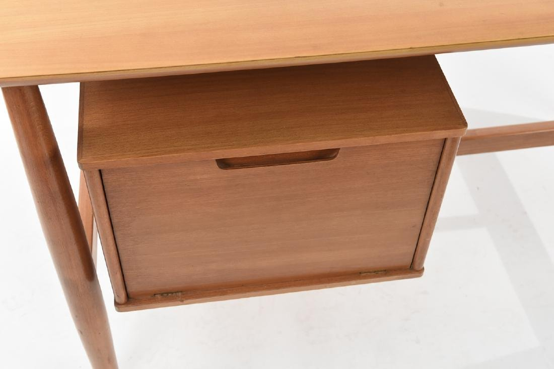MILO BAUGHMAN FOR DREXEL BLOND WOOD DESK - 2