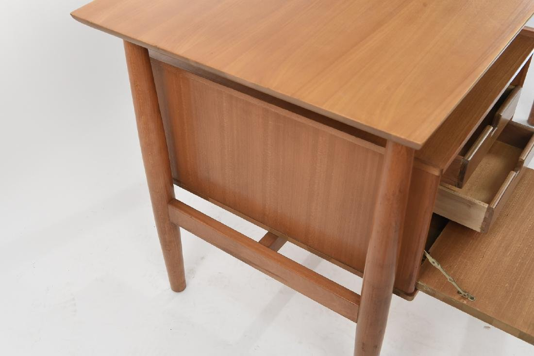 MILO BAUGHMAN FOR DREXEL BLOND WOOD DESK - 5