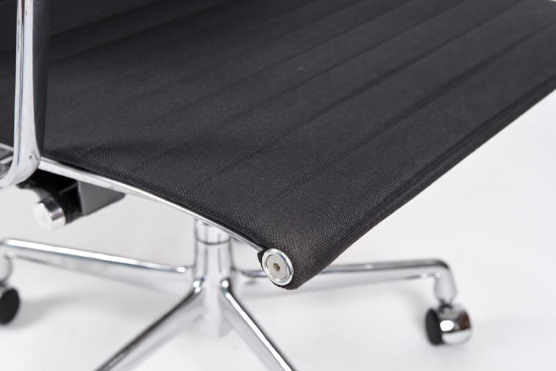 (8) EAMES ALUMINUM GROUP MANAGEMENT ARM CHAIRS - 10