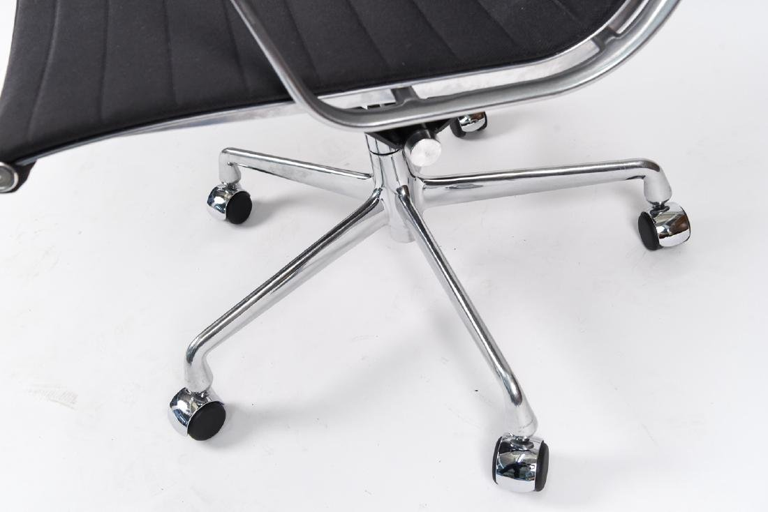 (8) EAMES ALUMINUM GROUP MANAGEMENT ARM CHAIRS - 5