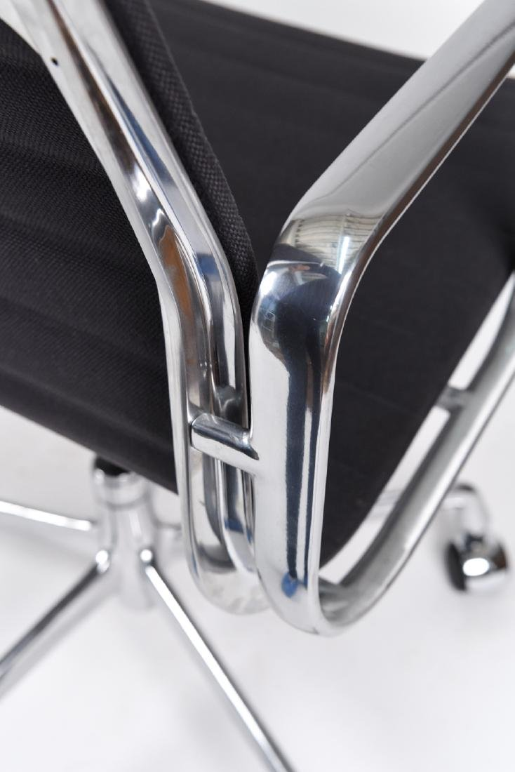 (8) EAMES ALUMINUM GROUP MANAGEMENT ARM CHAIRS - 8