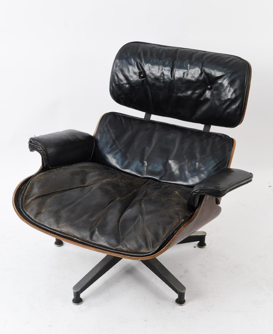 EAMES HERMAN MILLER LOUNGE CHAIR