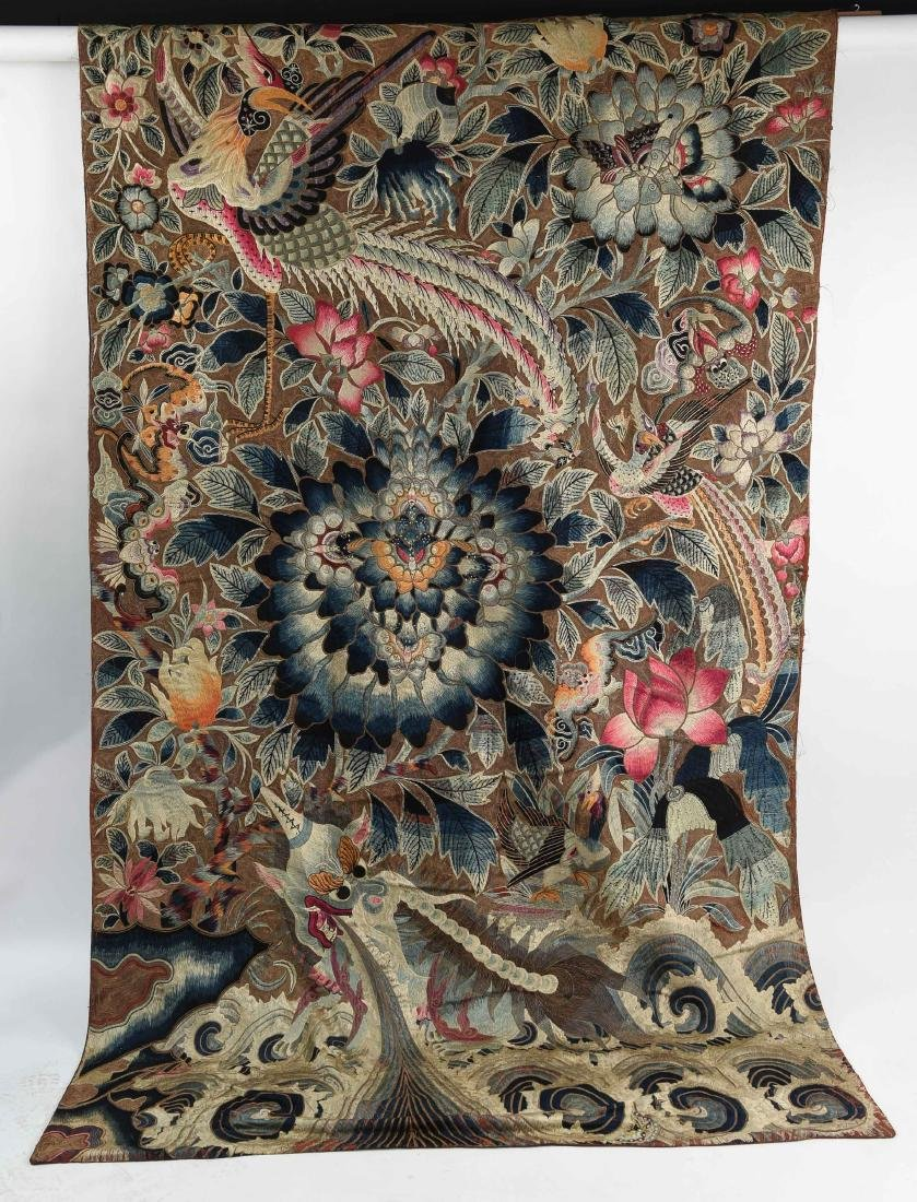CHINESE QING DYNASTY SILK EMBROIDERED TAPESTRY