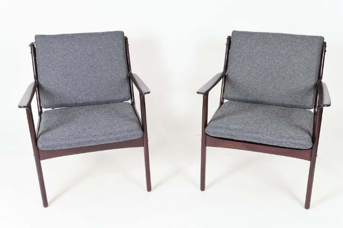 PAIR OF OLE WANSCHER MODEL PJ112 EASY CHAIRS - 2