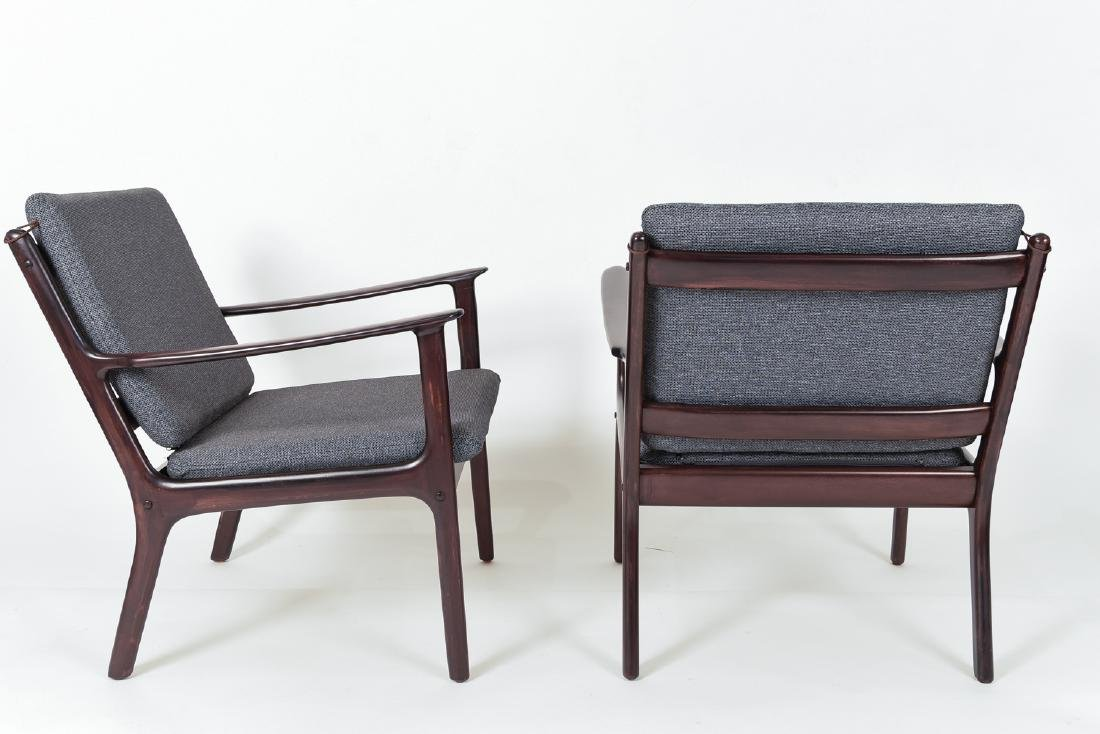 PAIR OF OLE WANSCHER MODEL PJ112 EASY CHAIRS - 6