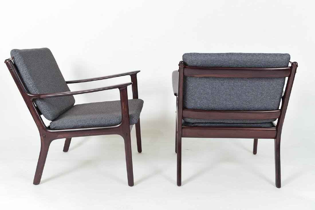 PAIR OF OLE WANSCHER MODEL PJ112 EASY CHAIRS - 7