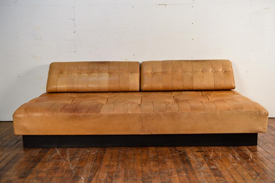 DE SEDE STYLE DANISH LEATHER SOFA / DAYBED - 2