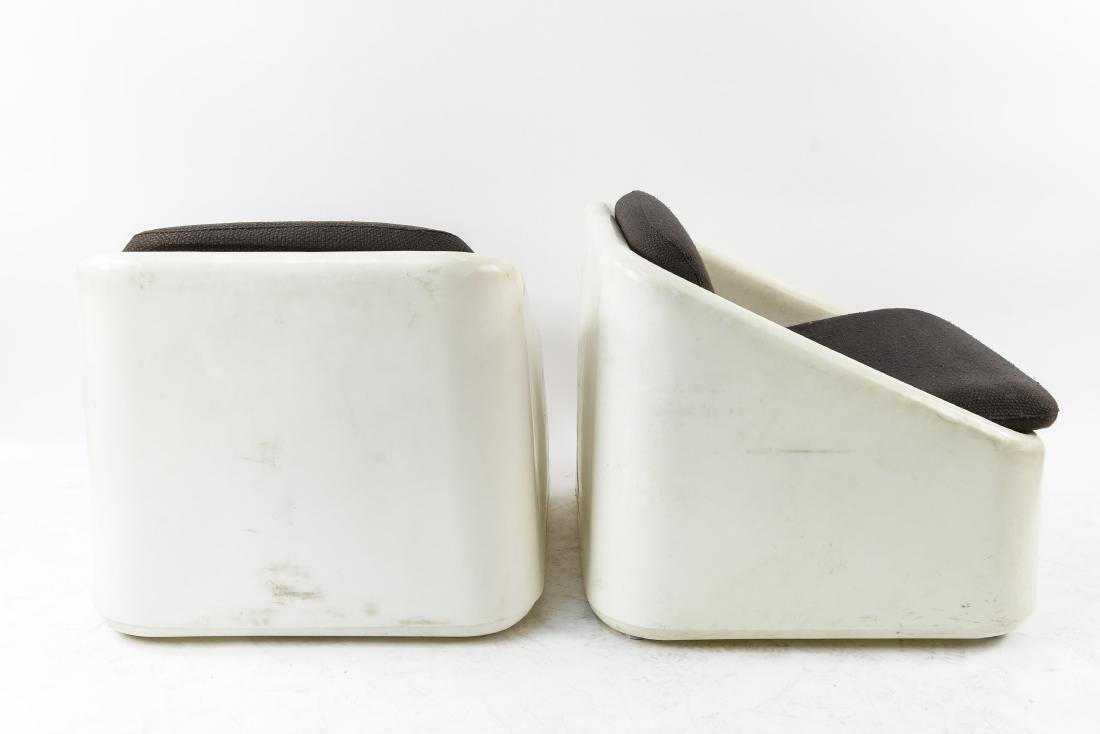 (4) INTERIORS INTERNATIONAL LIMITED PLASTIC CHAIRS - 7