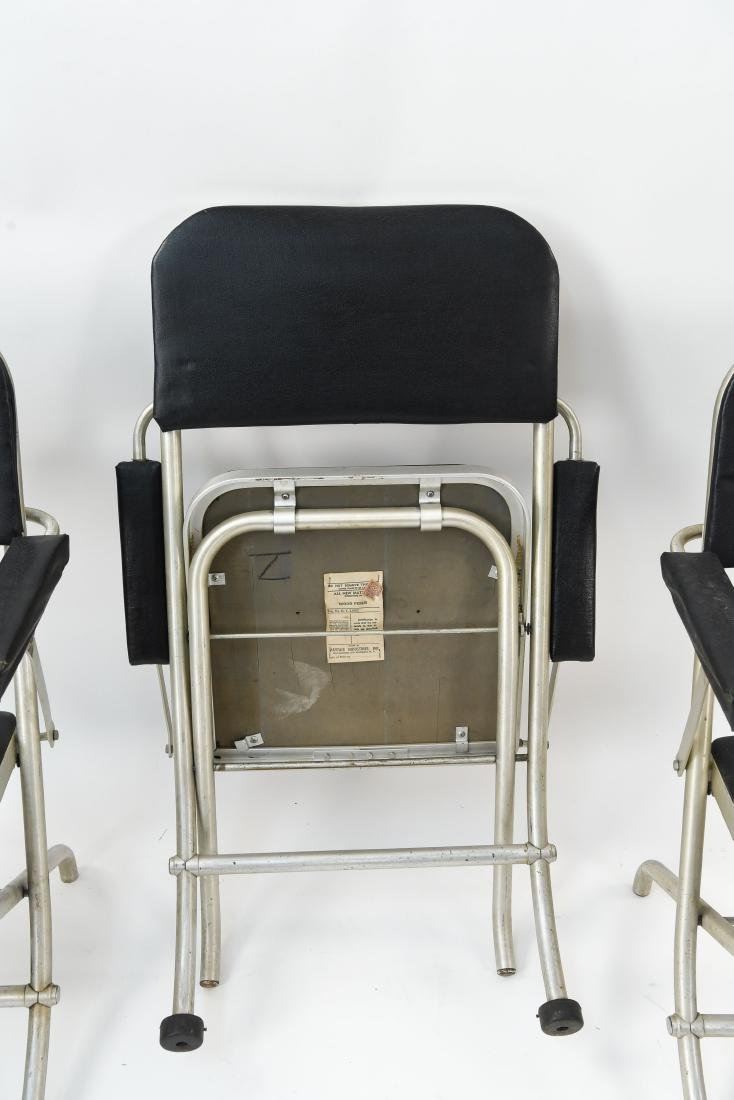 (4) WARREN MCARTHUR ALUMINUM FOLDING CHAIRS - 8