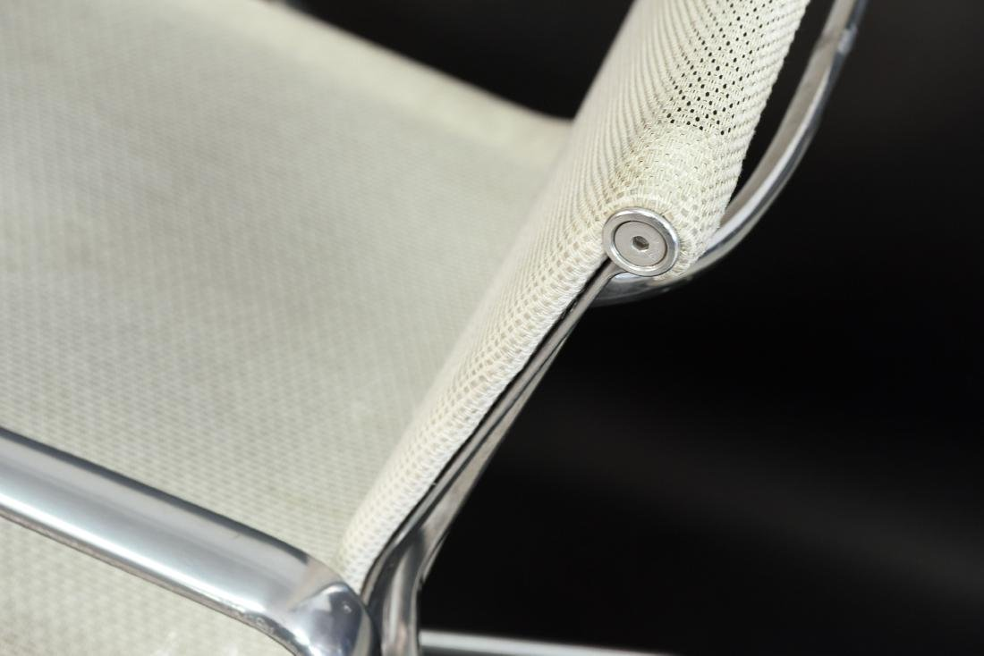 PAIR OF EAMES ALUMINUM GROUP MANAGEMENT CHAIRS - 10