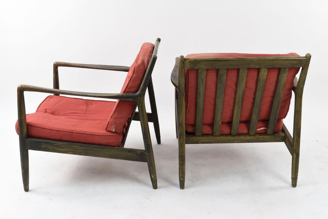 PAIR OF MID-CENTURY LOUNGE CHAIRS - 10