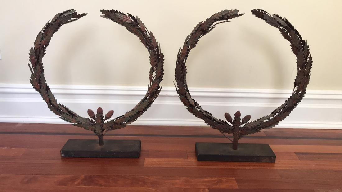 PAIR OF DECORATIVE OAK LEAF WREATH SCULPTURES
