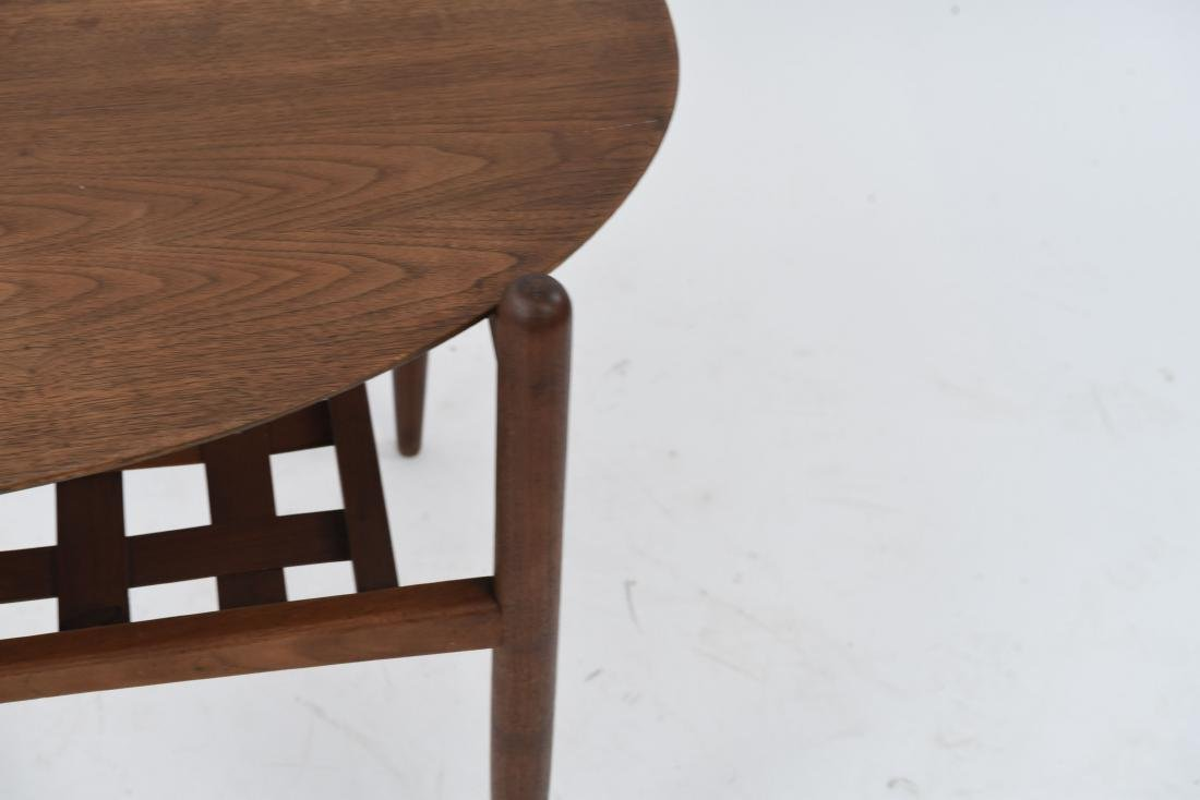 MID-CENTURY OVAL SIDE TABLE - 4